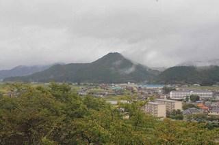 八上城を見る